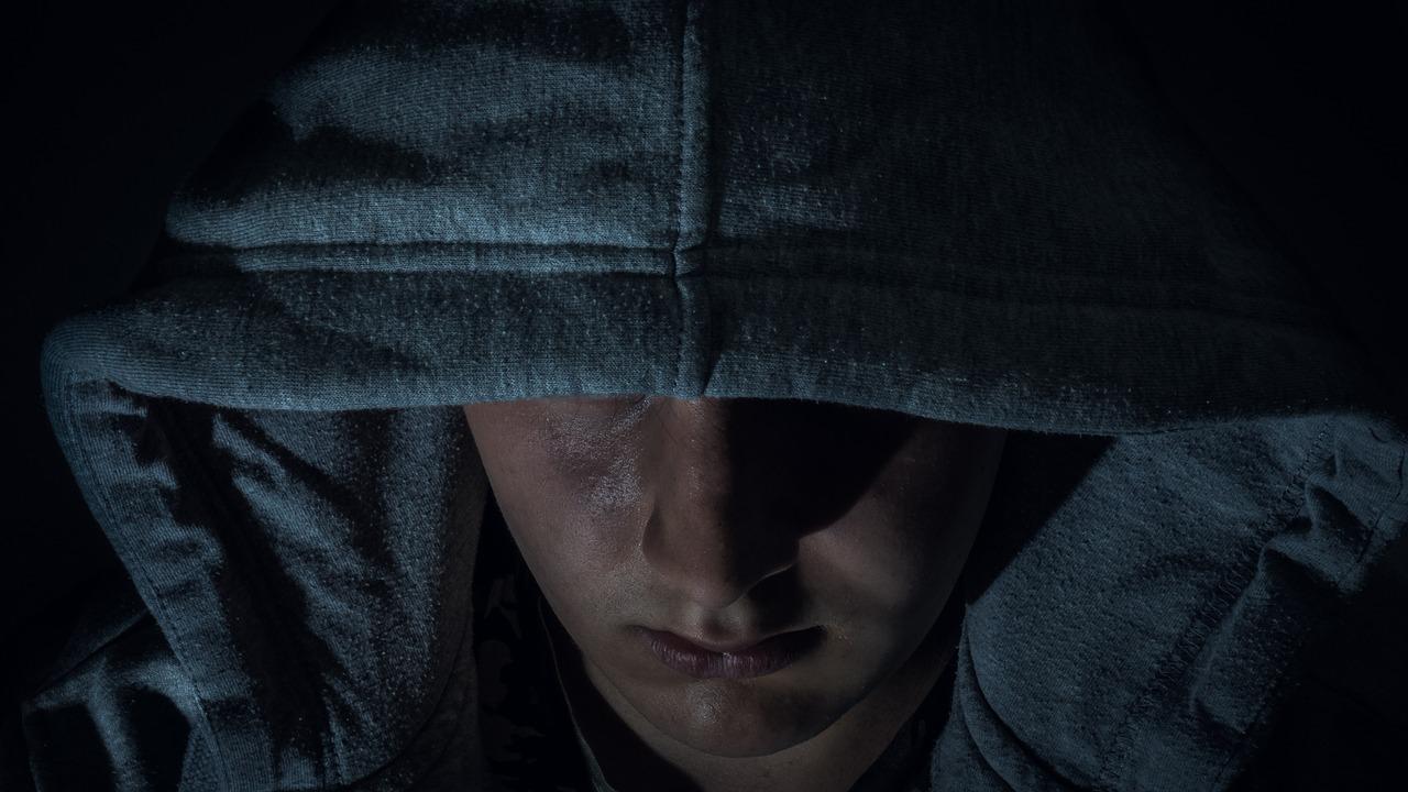 Grupa mladića u Graboštani provalila u dvije trgovine