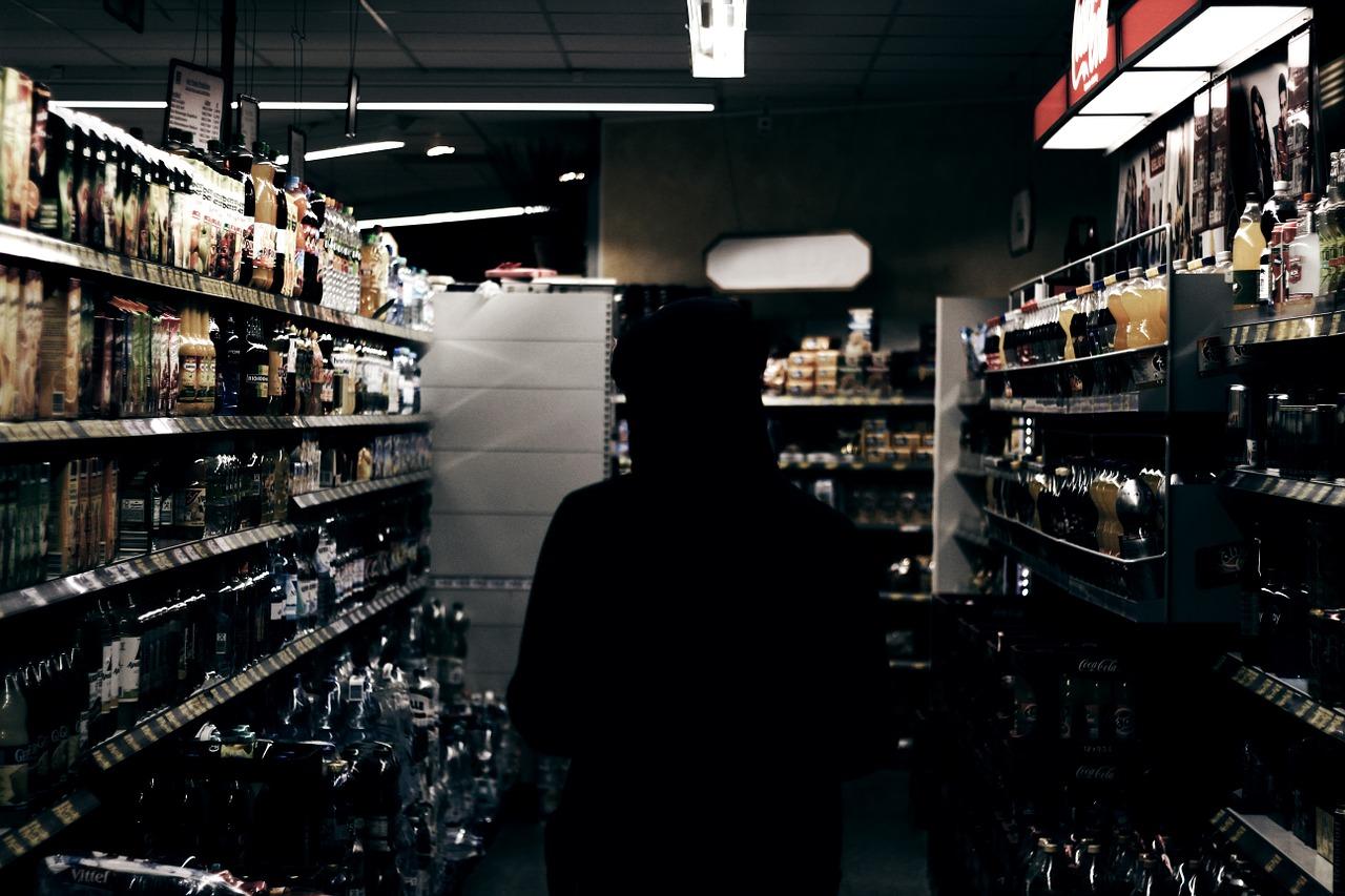Provalio u trgovinu i ukrao alkoholna pića
