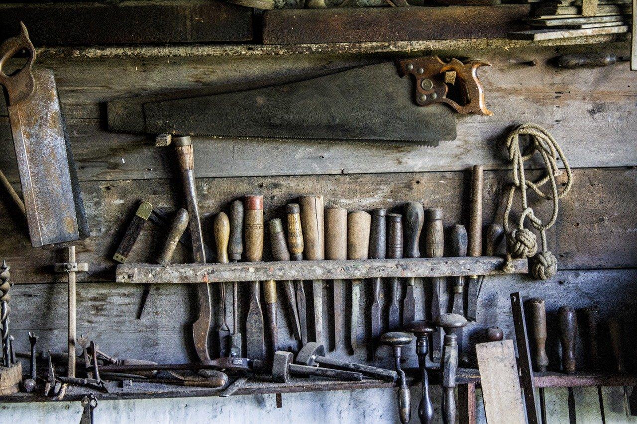 Iz podruma obiteljske kuće u Vrhu Letovaničkom provalnik otuđio veću količinu raznog alata