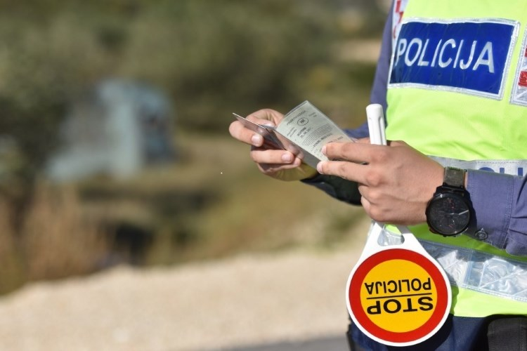 Za vožnju pod utjecajem i bez vozačke dozvole kažnjen s 15 dana zatvora i 5 tisuća kuna