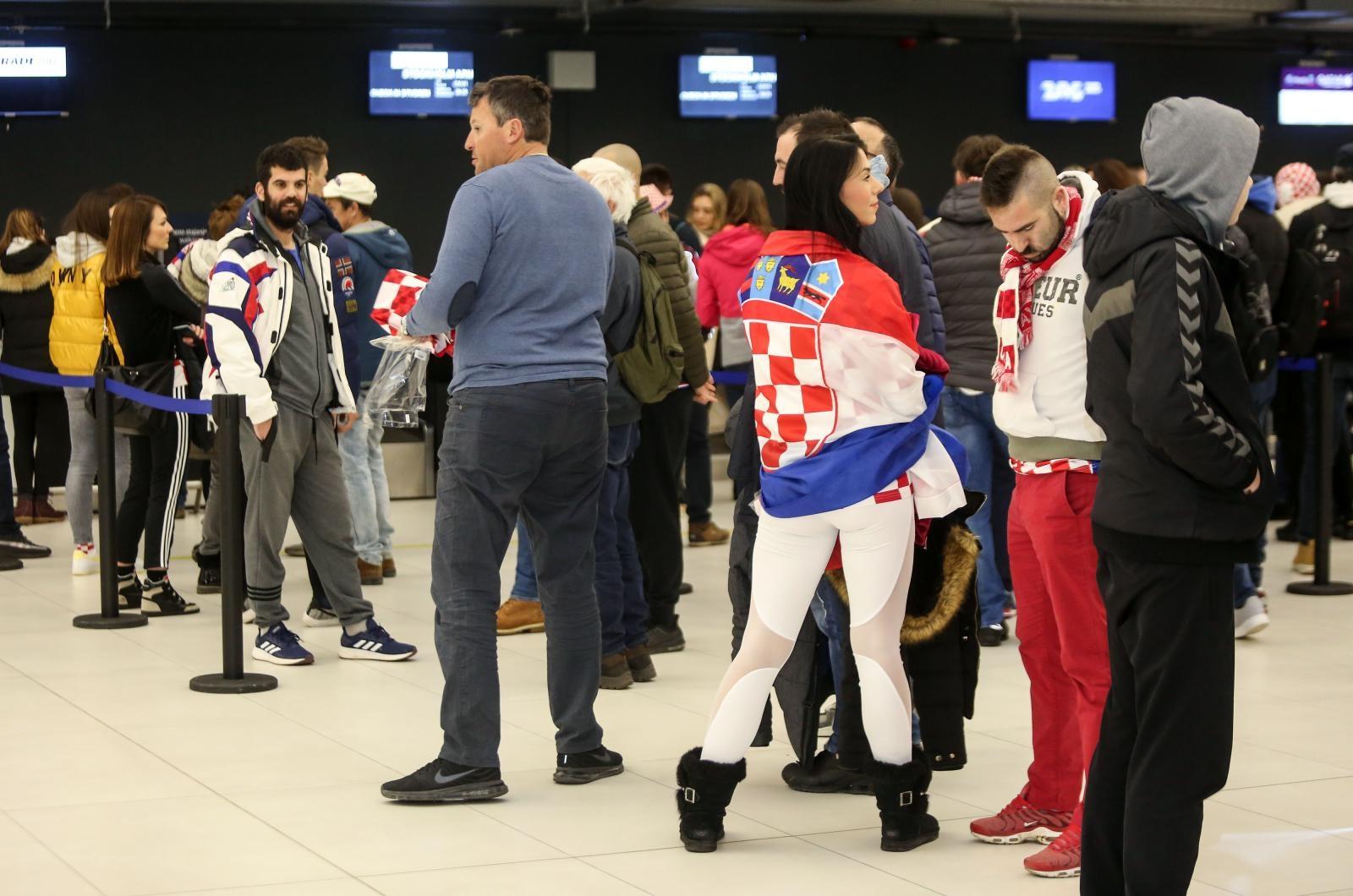 FOTO: Hrvatski navijači od rane zore putuju u Stockholm