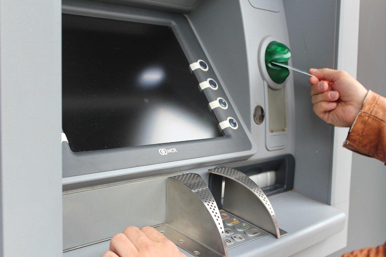 RAZBOJNIŠTVO U VELIKOJ LUDINI – Podignuo bankomat u zrak i pobjegao s novcem