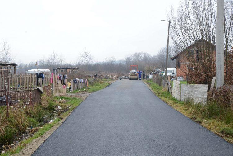 Romsko naselje u Capraškim poljanama dobilo novu cestu