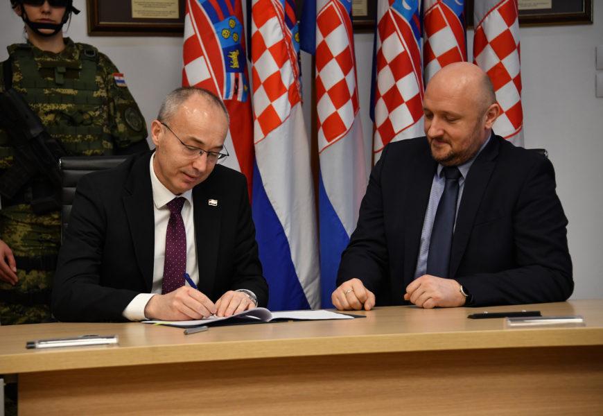 MORH potpisao ugovore o nabavi vojne opreme s 38 hrvatskih tvrtki