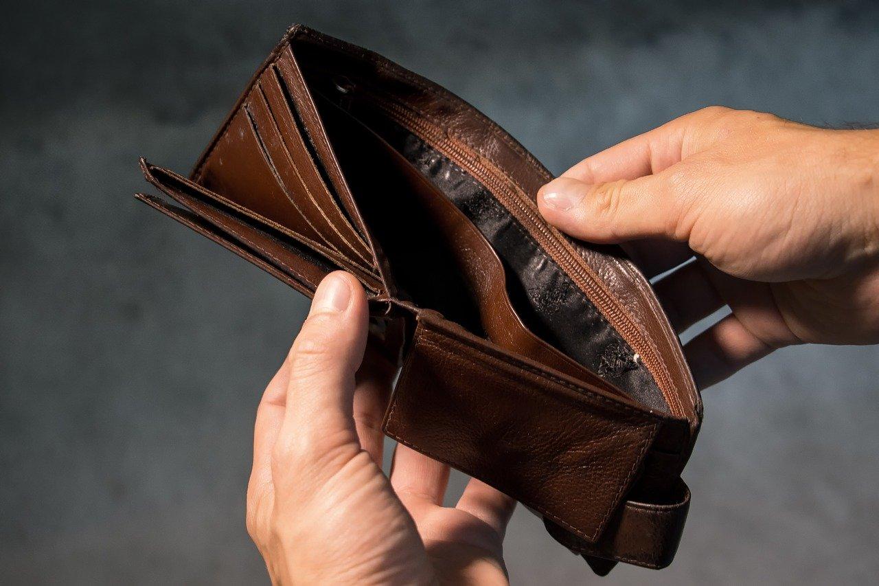 Iskoristio nepažnju starice i ukrao joj novčanik