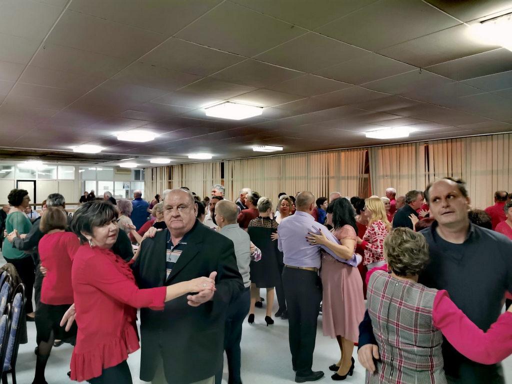 FOTO: Uz pjesmu i ples popovački umirovljenici proslavili Valentinovo