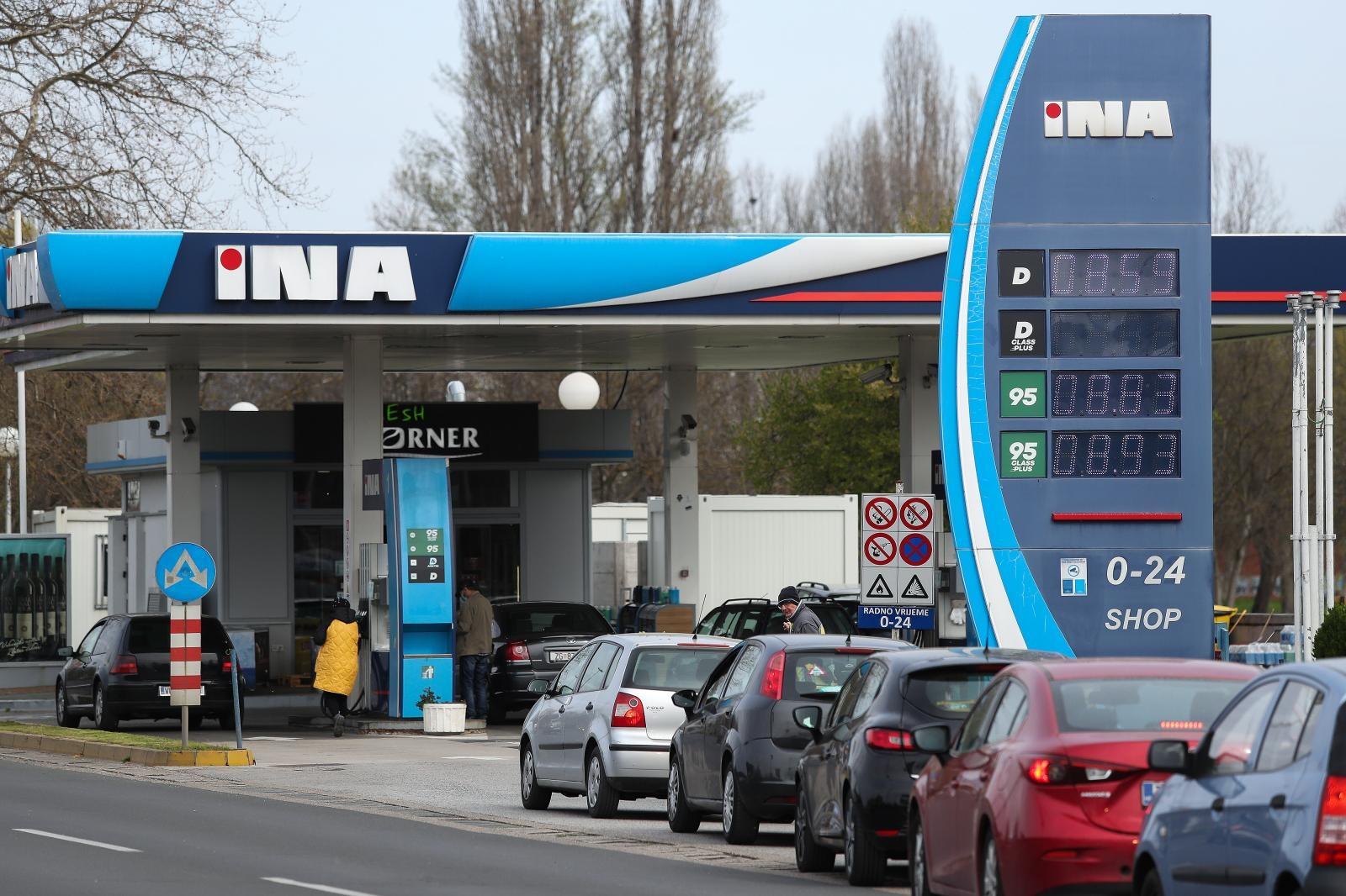 Kupnja ostalih proizvoda na benzinskim postajama samo onima koji natoče gorivo ili plin